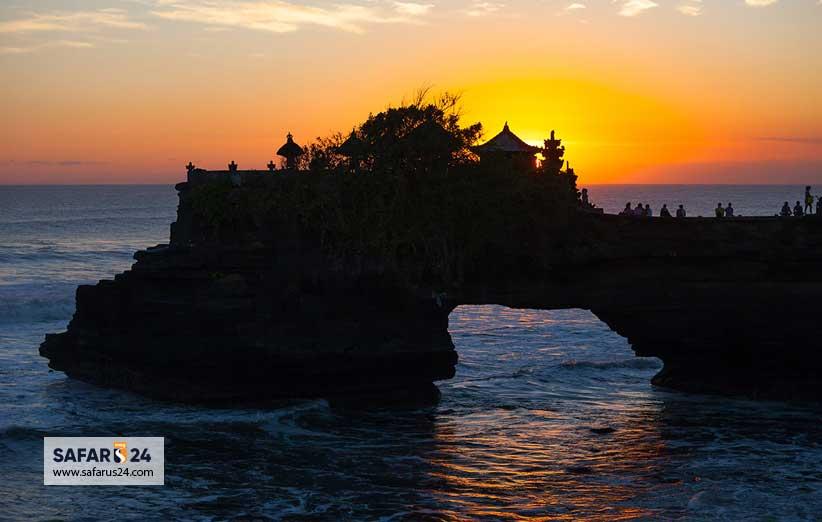 معبد Tanah Lot بالی