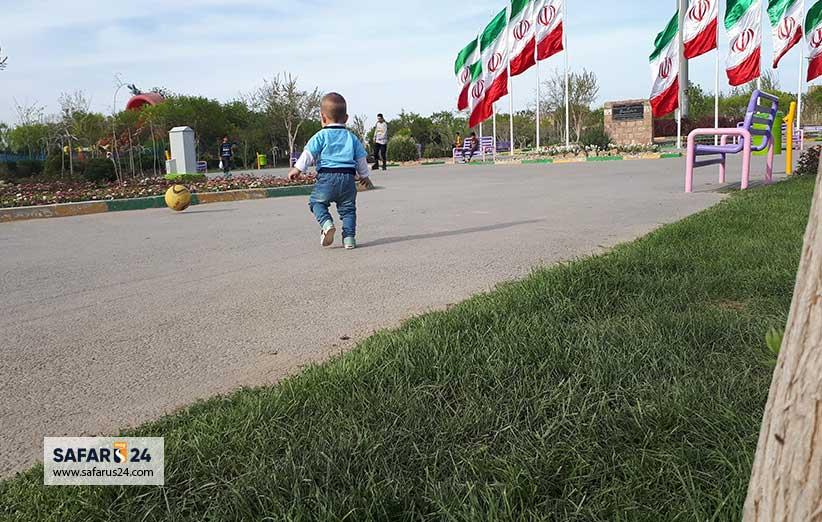 فضای سبز پارک ارم مشهد