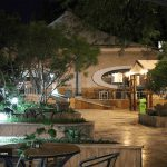 محوطه هتل تعطیلات کیش