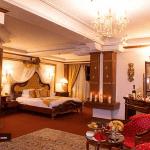 اتاق هتل قصر طلایی مشهد