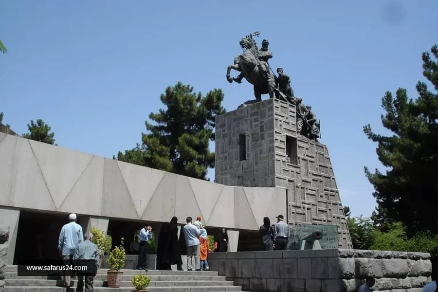 مقبره نادر شاه